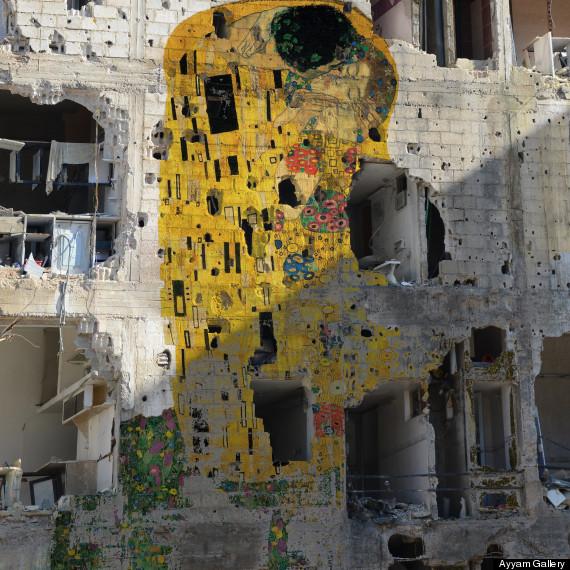 Freedom Graffiti by Tamman Azzam. Il Bacio di Klimt.