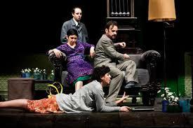 """La modestia di Rafael Spregelburd in """"ronconiane"""" due ore e 45 minuti senza intervallo."""
