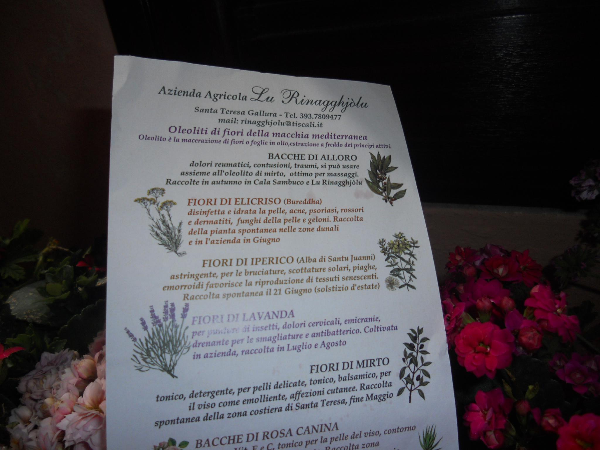 Oleoliti di fiori della macchia mediterranea e di antichi selvatici orti teresini.