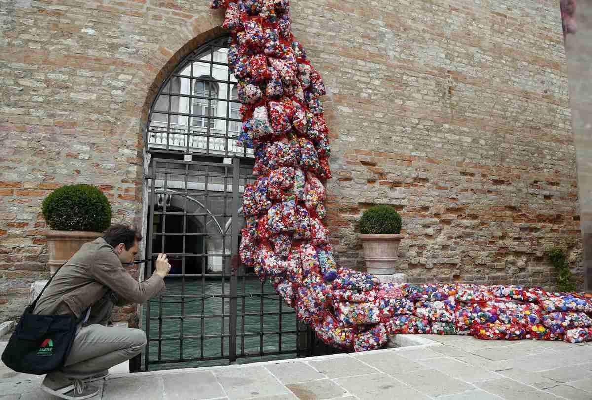 Pablo Echaurren e la Biennale del Banal Grande.