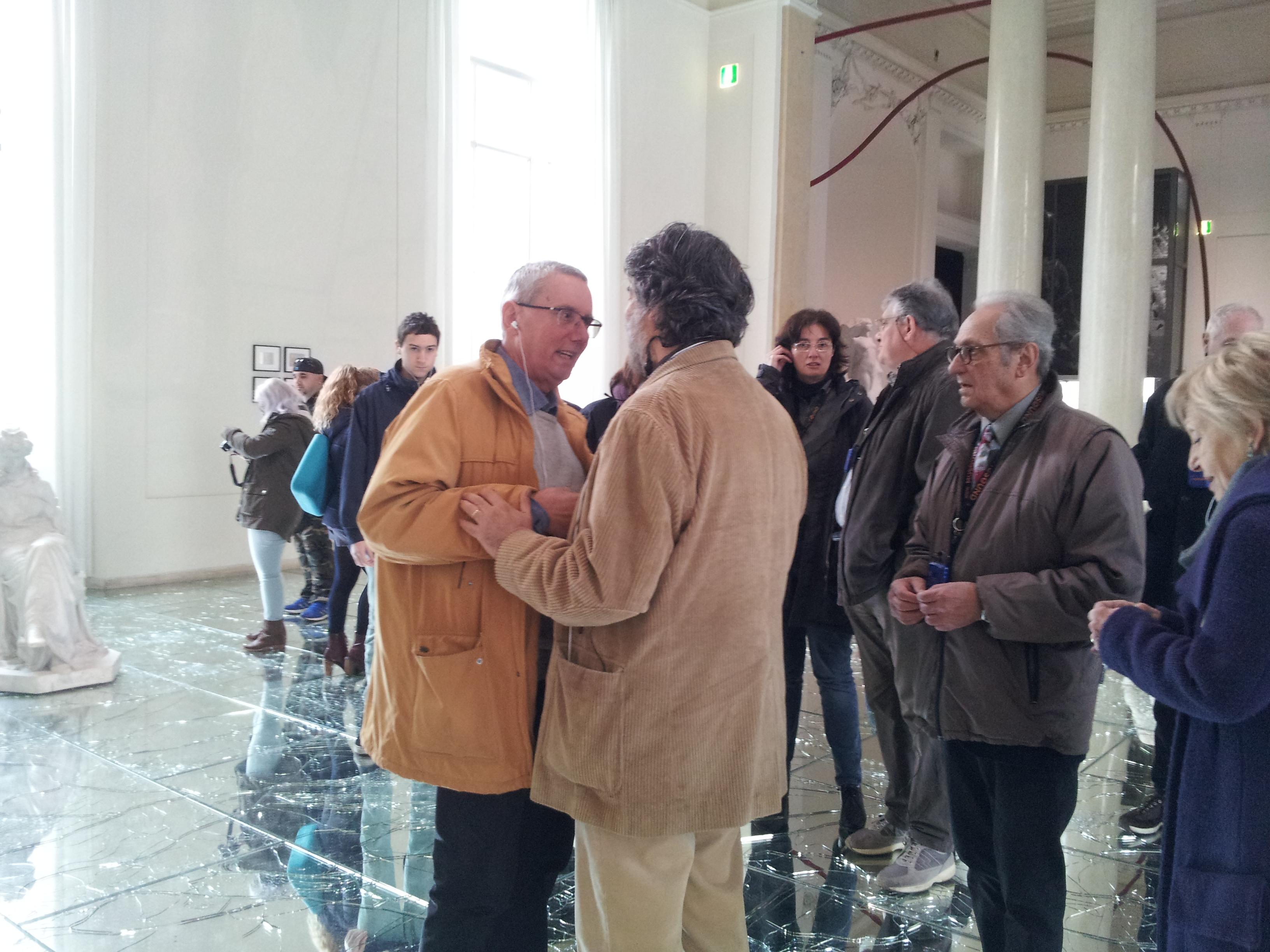 Walkabout con Echaurren alla GNAM parlando di indiani metropolitani